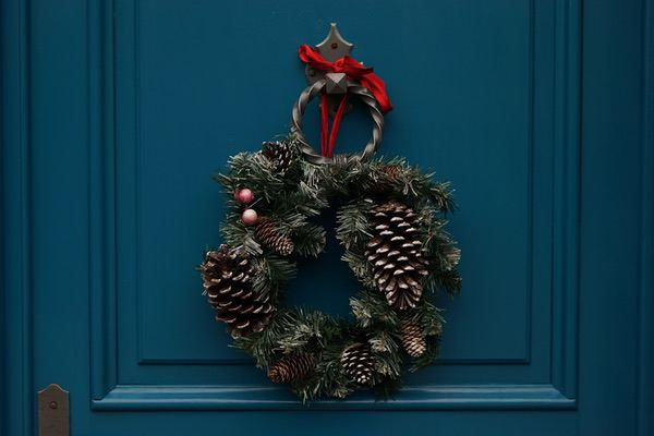 Christmas wreath-adult children